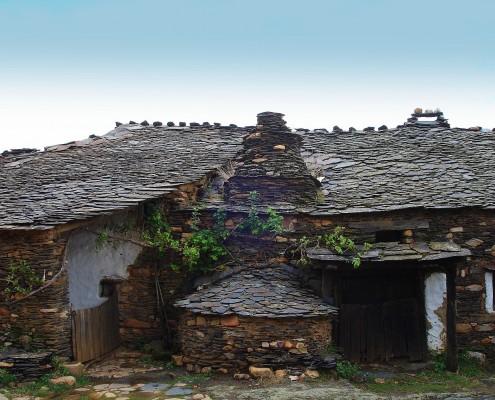 típica casa arquitectura negra